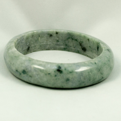 Bangle Light green whit spot Jade